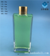150ml晶白料长方形玻璃小酒瓶